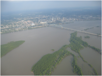 River flooding near Memphis, Tenn. in May 2011 (Photo: Barry Keim)